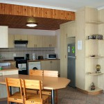 Seating for 4 people in dining area - Kudu Apartment